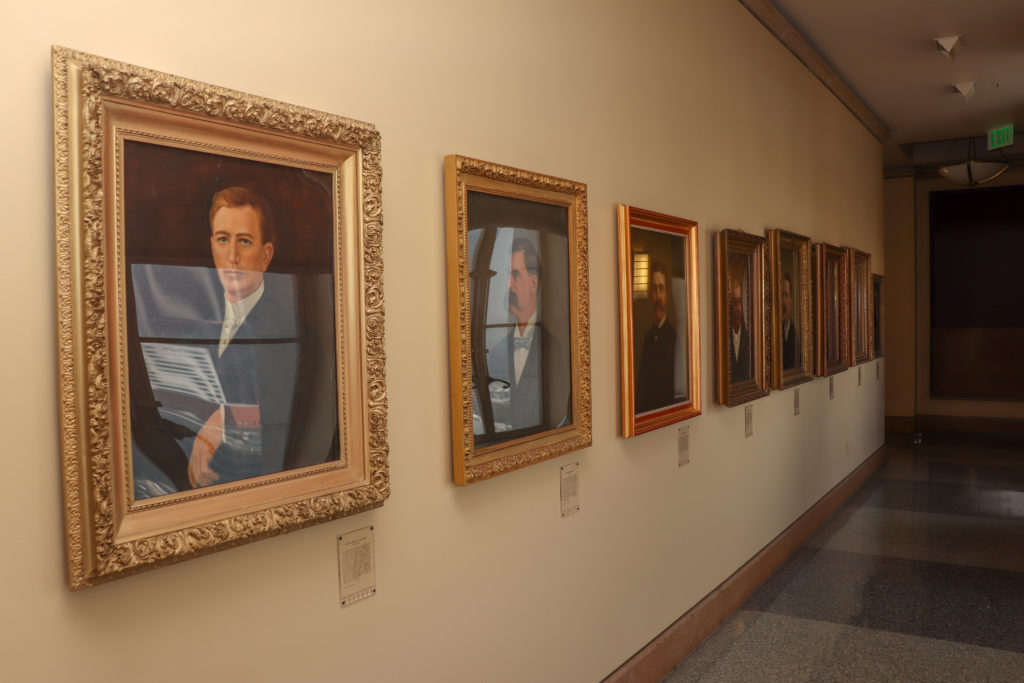 picture of Los Angeles City hall mayor portraits