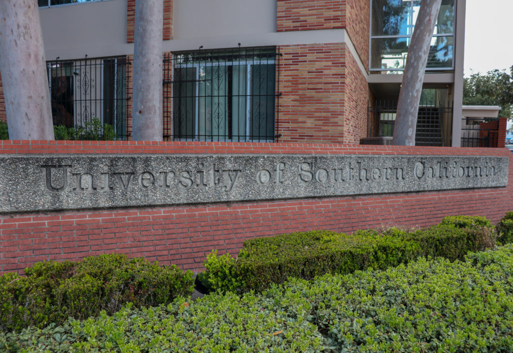 picture of university of southern california sign