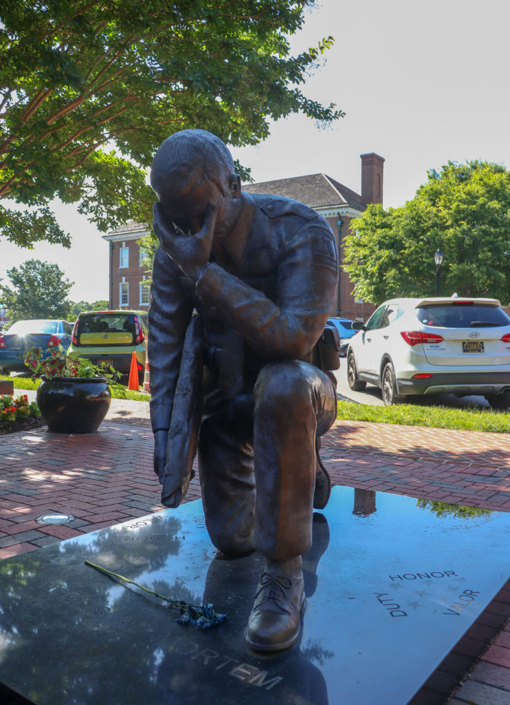 picture of Delaware Legislative Mall police memorial